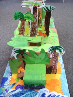 Cunningham Hill Infants, St Albans - creating giant-pop stage sets for The Tempest