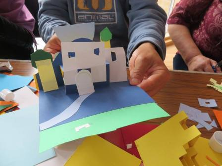 Akwaaba open day for migrant community at Green Lanes Methodist Church - using 3D pictures to describe where you come from